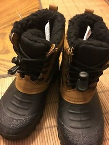 BOYS BOOTS-NEW