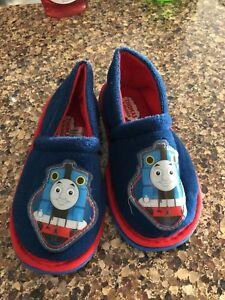 Like new Thomas nonslip slippers