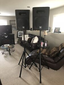 EV sb 121 speakers with stands