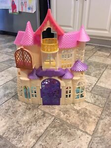 Sofia the First playset