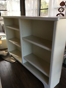 White book shelves, adjustable shelves