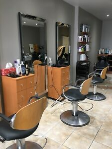 Room in salon for rent in North York