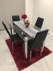 Dining Table and 4 dinning chairs