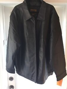 Men's leather Jacket. NEW. Tags still on