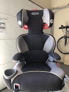Siège d'auto pour enfant - booster, car seat (Graco)