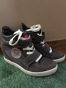 Guess Sneaker Wedge Shoes Size 8.5