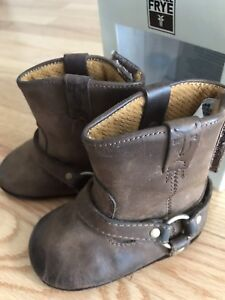 Frye baby boots size2