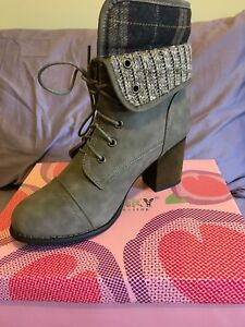 Black Or Khaki Size 10 Ankle Boots