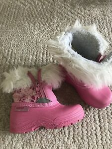 Toddler girl snow boots size 5