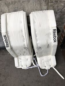 Reebok 14K SR Goalie Pads. Size 34+2. Lightly used for 1 year.