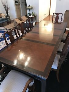 LUXURIOUS SOLID EXOTIC WOOD 8-CHAIR DINNING ROOM TABLE