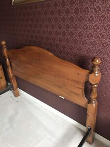 Queen sized headboard/footboard and side rails