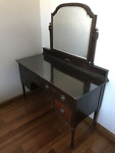 Antique dressing table Traralgon Latrobe Valley Preview