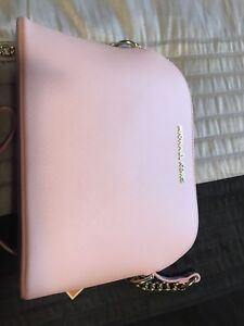 Michael Kors purse pink color bran new with tags