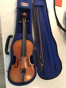 1/2 size violin with case and bow