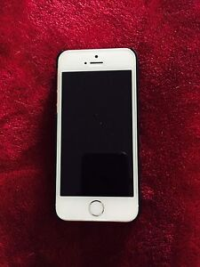 Mint condition Iphone 5S /16GB $200!