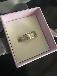 18CT White Gold Diamond Ring Clare Clare Area Preview