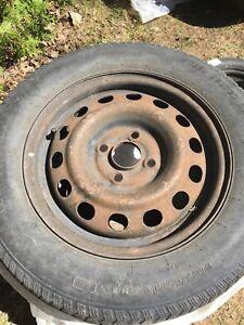 5 pneu d'hiver vente pour les rims