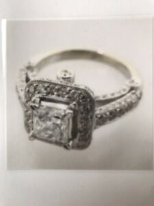 HALO ENGAGEMENT RING 1.01 cts princess cut F color
