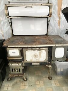 Findlay Oval Stove