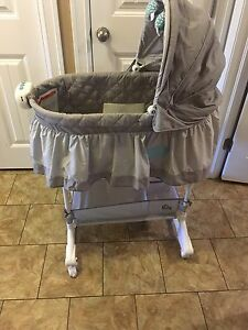 Bassinet for sale 65$