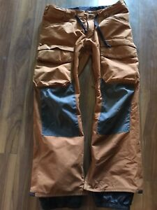 Burton Men's XL Dry/ride snowboard pants.