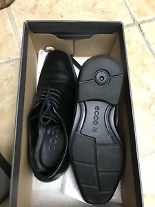 Ecco dress shoe size 39 for 50 CAD