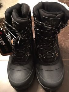 New Winter Boots Size 7/8 Men's