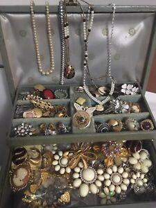 WANTED - Fashion jewelry