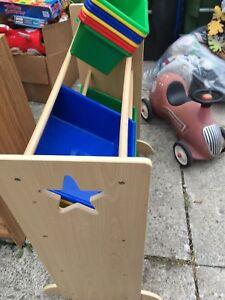 Kids storage bins system