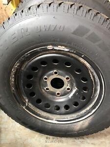 Pneus 10 ply acec roues LT245 75 17 hiver