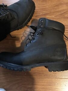 Black timberlands good condition