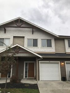 Lake Country 3 bed 2.5 bath townhouse