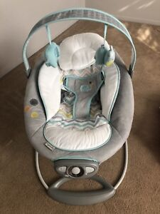Baby chair that has settings that vibrate like heartbeat, etc.