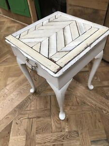 Queen Anne bedside table Sunshine North Brimbank Area Preview
