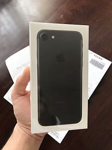 IPHONE 7 MATTE BLACK **BRAND NEW SEALED**