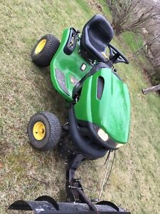 Used John Deere Riding tractor L100