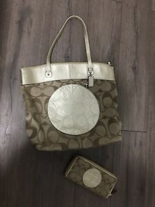 Coach Purse & Wallet *AUTHENTIC*