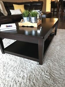 PERFECT COFFEE TABLE AND 2 END TABLES