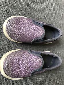 Oshkosh purple sparkle shoes size 6