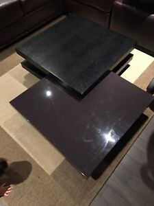 Coffee table / Table a cafe (Picasso swivel table)