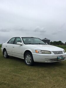 1999 Toyota Camry CE parts only
