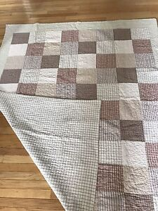 Roots patchwork quilt- twin