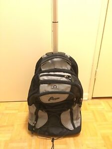 Roots travel bag with handle and wheels