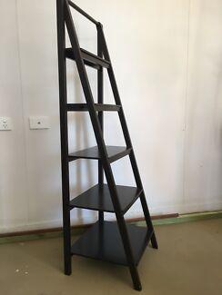 Freedom shelf system