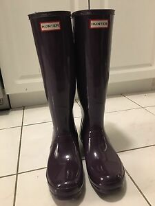 HUNTER BOOTS - worn once/brand new