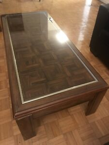 Beautiful Coffee Table with Glass top