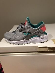 3dd77d59f67f Size 12 Nike huaraches for sale or trade