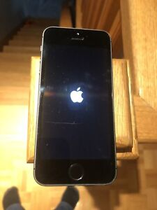 Unlocked iPhone 5s 64g and 2 other 5s