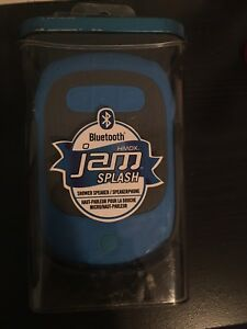 Blue tooth speaker *brandnew and waterproof